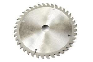 Werkzeugschleifen von Schneidwerkzeugen wie Sägeblättern